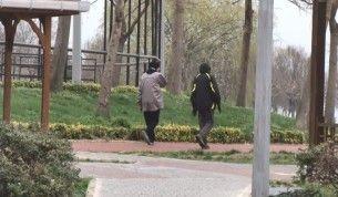 Yasağa rağmen Avcılar Sahili'nde sabah koşuları