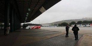 Şehirler arası seyahatteki kısıtlama başlamadan Kocaeli Şehirlerarası Otobüs Terminali boş kaldı