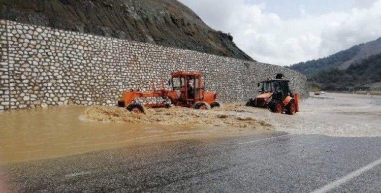 Adıyaman'da sel yıktı geçti