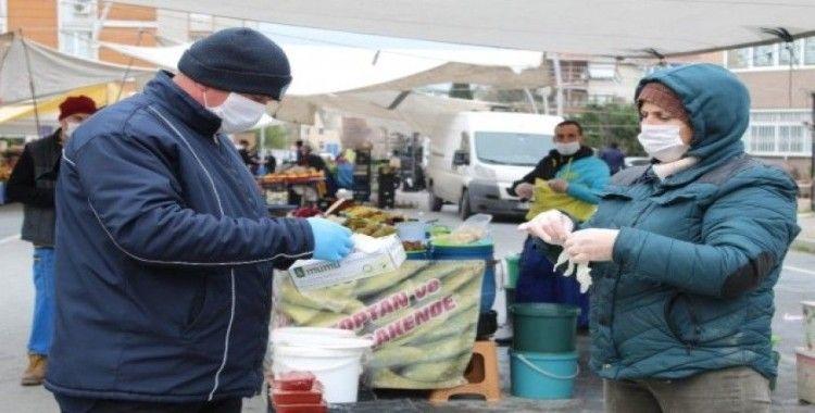 Büyükçekmece'de pazar tezgahlarına Korona virüs denetimi