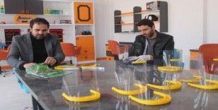 Bayburt Bilim Sanat Merkezi yüz koruyucu siper üretimine başladı