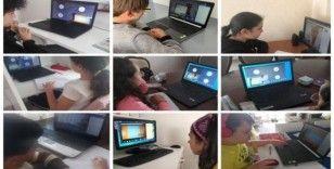Kırşehir'de, özel okulda öğrenci öğretmen teması aktif tutuluyor