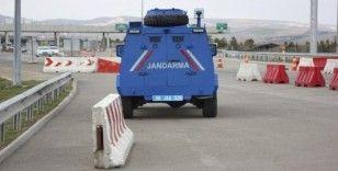 Jandarma tüm uygulama noktalarında korona virüs tedbirlerini eksiksiz uyguluyor