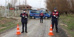 Çankırı'da bir köy tedbir amaçlı karantina altına alındı