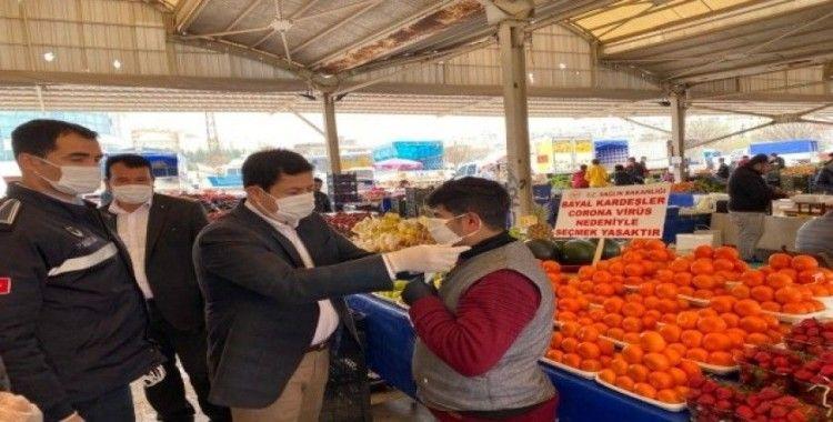 Eyyübiye'de esnafa maske ve eldiven dağıtıldı