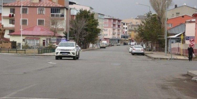 Korona virüs nedeniyle Ardahan'da sokaklar boş kaldı
