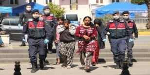 Otel şantiyesinden 15 bin liralık malzeme çalan kadınlar yakalandı