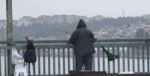 (Özel) Unkapanı Köprüsü'nün son olta balıkçısı