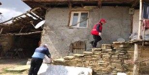Şaphane'de yaşlı vatandaşların tüm ihtiyaçları karşılanıyor