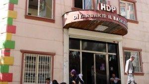 HDP önündeki ailelerden Remziye Tosun'a tepki