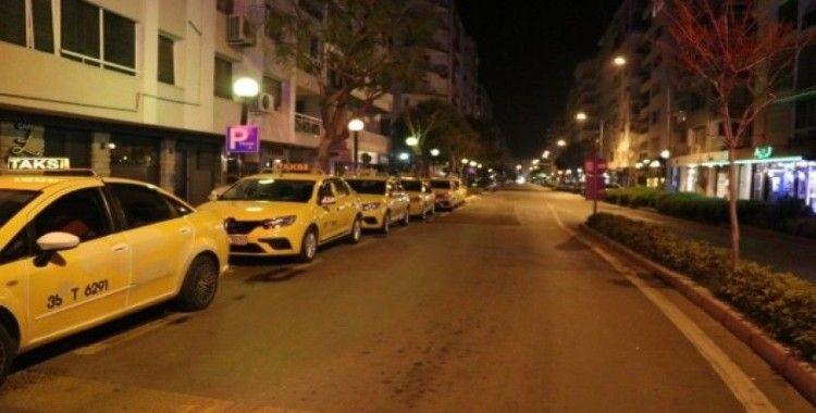 İzmir'de taksicilerin trafiğe çıkışı sınırlandırıldı