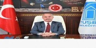 Başkan Akman'dan kampanyaya 3 maaş destek