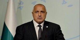 Borisov'dan maske şakası:'Kafam çok büyük, maske uymuyor'