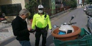 Kaskı kafasında değil saksıda taşıyan sürücüye 2 bin 893 TL ceza