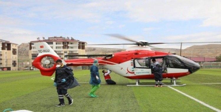 Rahatsızlanan kadın hava ambulansıyla hastaneye kaldırıldı