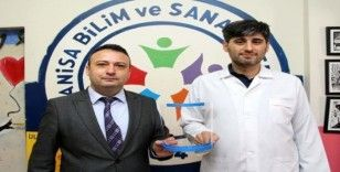 Manisa BİLSEM'den, sağlık çalışanlarına ayda 300 adet koruyucu siper maske