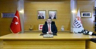 """Rektör Öztürk'ten """"Bizbize Yeteriz"""" kampanyasına destek"""