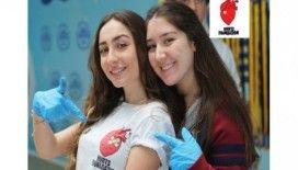 Öğrenciler kurdukları kulüple ailelere yardım kolileri hazırladı