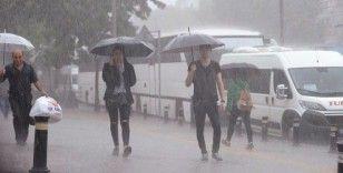 Meteoroloji uyardı: İstanbul'da sağanak yağmur bekleniyor