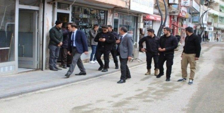Şemdinli'de vatandaşlar korana virüs salgınına karşı uyarıldı