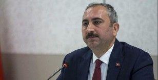 Bakan Gül, AYM üyeliğine seçilen Bağcı'yı tebrik etti