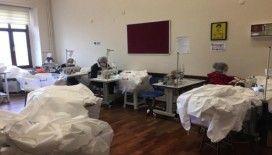 Beyoğlu'nda sağlık çalışanları için hijyen tulumu üretimine başlandı