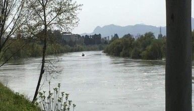Ceyhan Nehri'ne düşen şahıs 8 gündür aranıyor