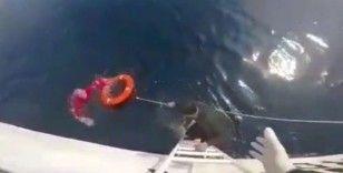 Kuşadası Körfezi'nde tekne battı, içindeki iki kişi kurtarıldı