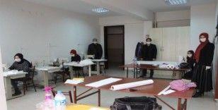 Osmaneli'de gönüllü öğretmenler 3D yazıcı ile ''Yüz koruyucu Siperlik ve Maske'' üretiyor