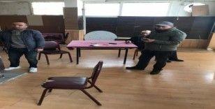 İstanbul Fatih'te 25 kişi kumar oynarken basıldı