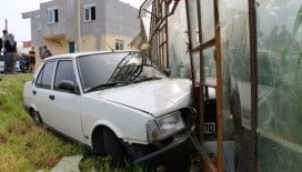 Sokağa çıkması yasak genç, polisten kaçmaya çalışırken kaza yaptı