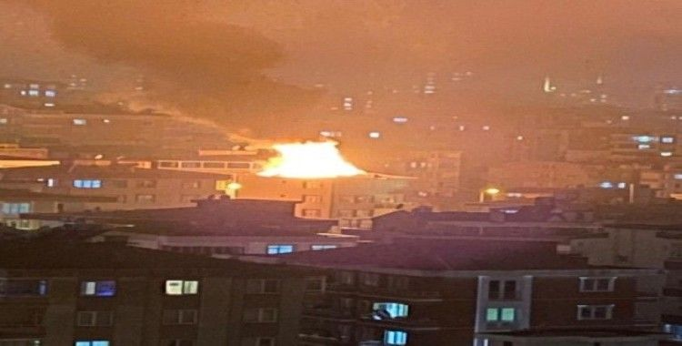 Samsun'da çatı yangını korkuttu