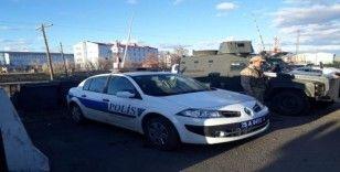 Horasan'da araçlar geri çevriliyor