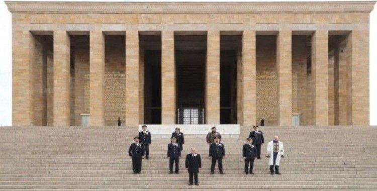 Emniyet Genel Müdürü Aktaş, Anıtkabir'i ziyaret etti