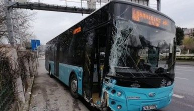 Tansiyonu düşen otobüs şoförü duvara çarparak durabildi