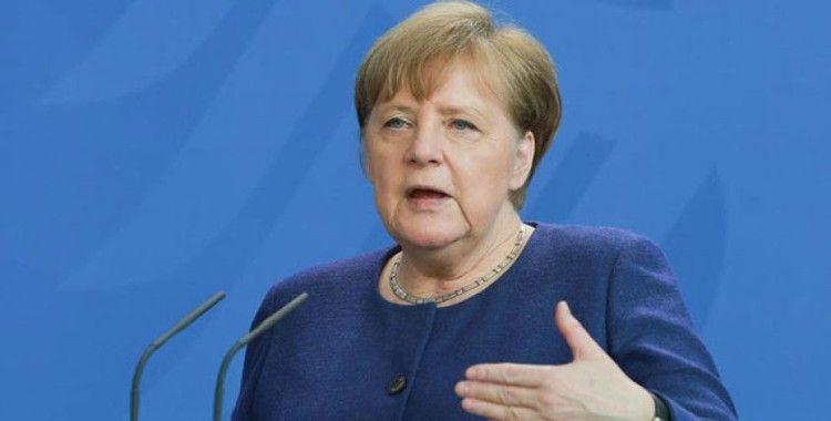 Almanya Başbakanı Merkel: 'Korona krizine karşı alınan önlemleri gevşetmek için erken'