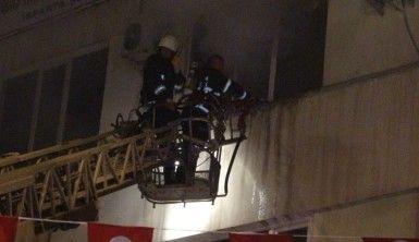 Isparta'da gece saatlerinde korkutan yangın