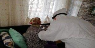 Büyükçekmece'de evinden çıkamayan vatandaşlara evde sağlık hizmeti veriliyor