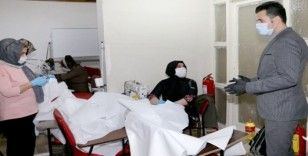Yenişehir Belediyesinden vatandaşlara ücretsiz maske ve tulum