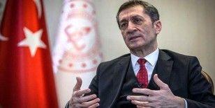 Milli Eğitim Bakanı Ziya Selçuk, Iğdırlı öğretmenleri tebrik etti