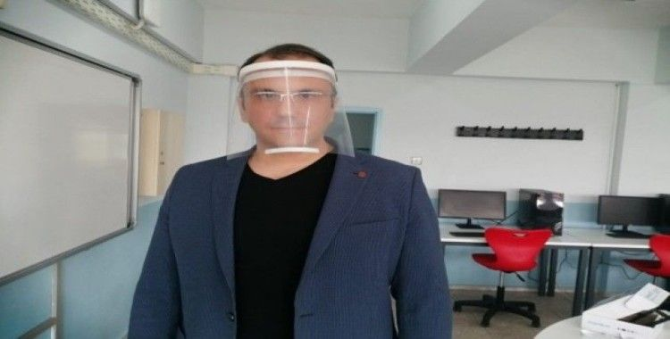 Milas BİLSEM'de maske ve siperlik üretiliyor