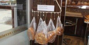 """Örnek uygulamayı Manisa başlattı, her fırında """"Askıda ekmek var"""""""