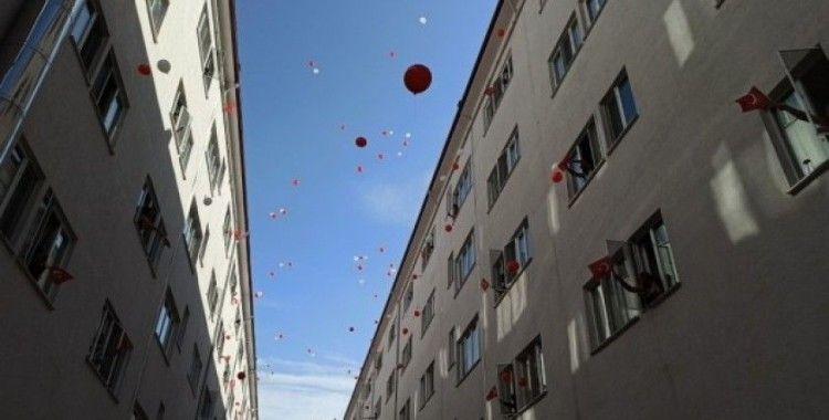 Karantina yurdunda balonlar koronadan kurtulmak için uçuruldu