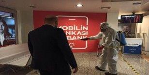 Banka şubeleri ve ATM'ler dezenfekte ediliyor