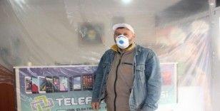 (ÖZEL) Telefon tamircisinden korona virüse karşı sıra dışı önlem