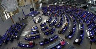 Alman milletvekilleri koronavirüs nedeniyle bu yıl maaşlarına zam istemiyor