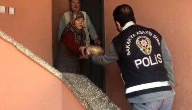 Polis vatandaşları ekmeksiz bırakmadı