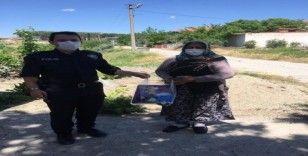 Selendi polisi anneleri unutmadı