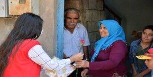 Kızılay'dan annelere sürpriz hediyeler