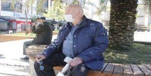 Giresun'da 65 yaş ve üstü vatandaşlar sokağa çıkmanın mutluluğunu yaşıyorlar